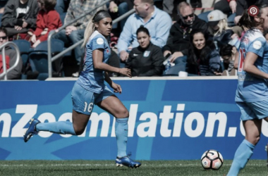 Chicago's Sam Johnson struggled to out-muscle the Boston Squad | Source: twitter.com/chicagoredstars
