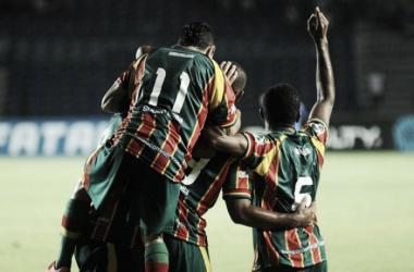 Sampaio Corrêa bate Vitória da Conquista e dispara no topo do Grupo E da Copa do Nordeste