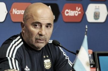 """Jorge Sampaoli diz que Argentina """"deu um passo à frente"""", em vitória sobre a Itália em busca do Tri"""