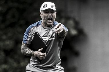 """Sampaoli reclama da lista de reforços ignorada pela diretoria do Santos: """"Não se interessou muito"""""""