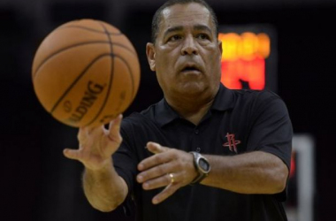 Kelvin Sampson is one of a half dozen coaches looking to rebuild his credibility with a new team this season. Thomas Campbell-USA TODAY Sports