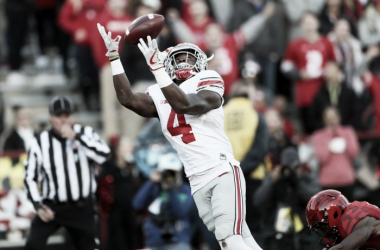 Curtis Samuel hauls in a catch during Ohio State's big win over Maryland (image source: Marvin Fong, The Plain Dealer via cleveland.com)