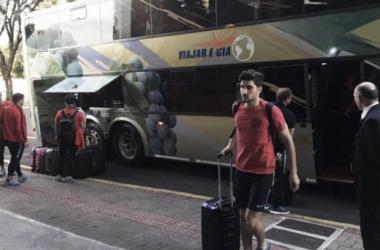 San Lorenzo llegando al hotel en Chapecó. Foto: Olé