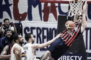 Deck fue clave con un doble-doble en el Cuervo. Foto: Marcelo Endelli/Liga Nacional
