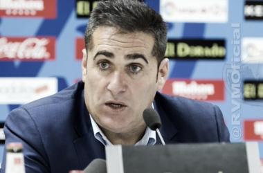 José Ramón Sandoval durante una rueda de prensa | Fotografía: Rayo Vallecano S.A.D.