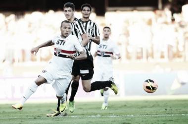 São Paulo recebe o Santos no Morumbi e busca primeira vitória em clássico na temporada