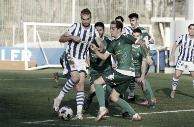Arambarri intentando rematar un balón / Foto: Real Sociedad