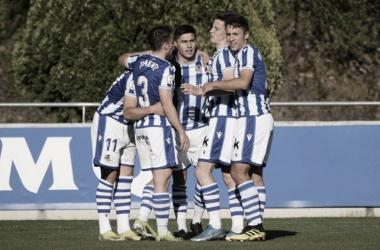 Piña de los jugadores del Sanse / Foto: Real Sociedad