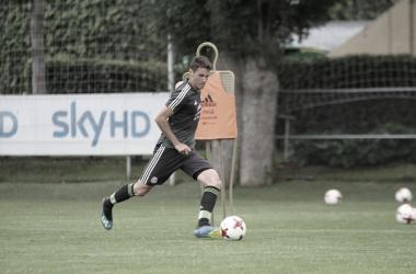 Santi Giménez en un entrenamiento / Foto: @Santigim10