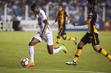 Santos vence The Strongest e assume liderança do grupo na Libertadores