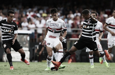 Buscando estabilidade, São Paulo encara Corinthians na Arena pelo Brasileirão