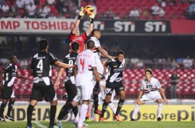 Com duelo nos bastidores, São Paulo e Ponte Preta tentam salvar o ano na Copa Sul-Americana