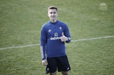 Saponjic llegó a entrenar con el equipo en el día de su fichaje / Cádiz CF