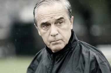 Roberto Saporiti: entrenador auriazul como hidrorayo