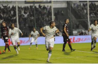 Cosaro festeja su gol y provoca el desahogo del Eva Peron.Foto: Web