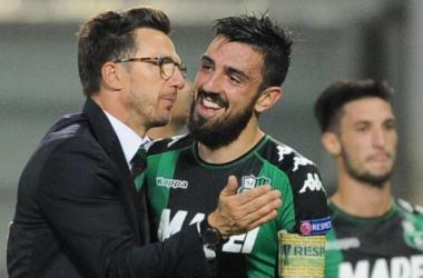 De Francesco abbraccia Magnanelli. Foto LaPresse