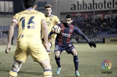 Lluís Sastre jugó veinte minutos en su regreso al Huesca | Foto: LaLiga
