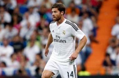 Xabi Alonso, durante el partido | Foto: Real Madrid.