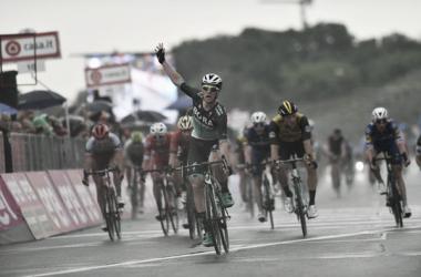 Sam Bennett vince a Imola.Foto Credit: LaPresse- D'Alberto / Ferrari / Paolone / Alpozzi