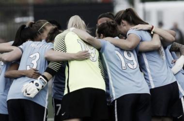 Sky Blue FC players huddle before a match (Sky Blue FC Twitter, @SkyBlueFC)