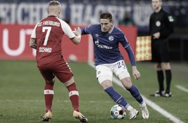 """Schalke acumula 28 jogos sem vencer na Bundesliga, mas técnico reforça: """"Não vamos desistir"""""""