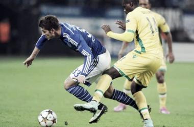 Un Sporting con diez cae ante un Schalke con doce