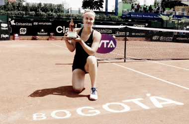Anna Karolina Schmiedlova was in all smiles after grabbing her first WTA title since 2016 | Photo: Copa Colsanitas