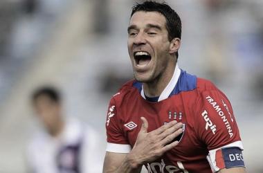 Andrés Scotti festeja el gol clave, el del 1-3. Foto: Tenfield.com