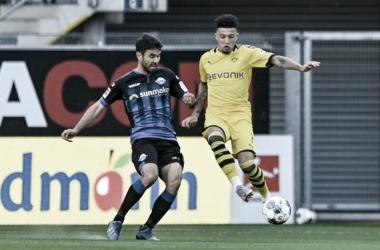 Em partida com sete gols no segundo tempo e manifestações contra racismo, Dortmund passeia sobre Paderborn