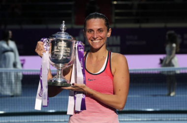 Roberta Vinci with the trophy. (Photo: St. Petersburg Ladies Trophy)