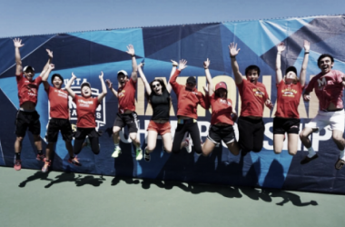 The Terrapins take a jumping picture at Nationals