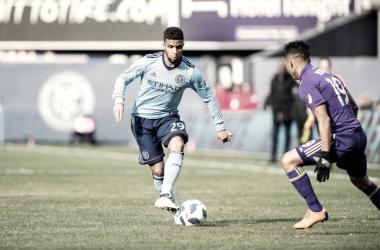 "Ismael Tajouri: ""David Villa pushes us every day"""