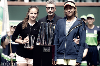 Naomi Osaka and Daria Kasatkina with their respective trophies (Jimmie48 Photography)