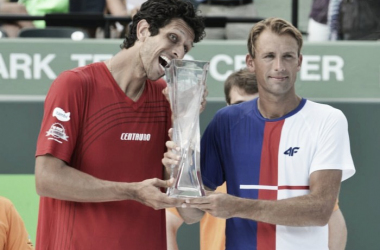 Lukasz Kubot and Marcelo Melo celebrate after capturing the biggest titles of their career at the Miami Open (photo: MiamiOpen)