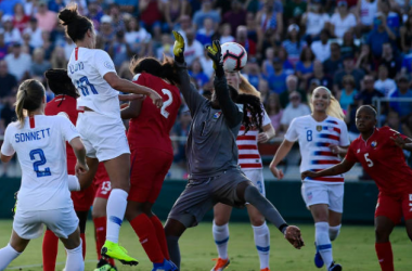 Carli Lloyd heads the ball in for the second USA goal of the night against Panama. | Photo: Mike Comer - Getty Images