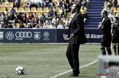 Diego Martínez dirige a un Osasuna con aspiraciones de volver a Primera