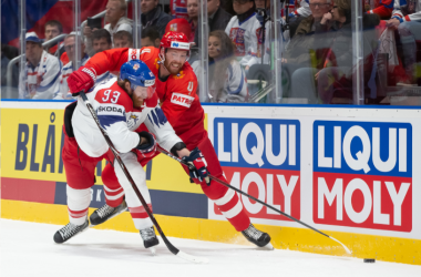 The Czechs struggled to make their mark against Russia (Photo: Andre Ringuette/HHOF-IIHF Images)