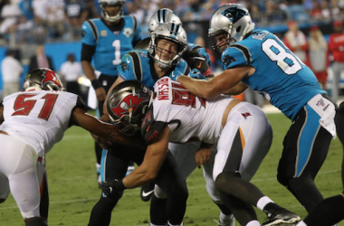 The Bucs defense stops Christian McCaffrey in his tracks (Photo: John Byrum/Icon Sportswire via Getty Images)