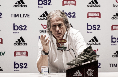 """Jorge Jesus exalta competitividade do clássico, mas lamenta empate: """"Foi amargo"""""""