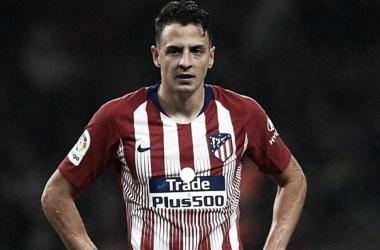 Santiago Arias, de buen partido con el Atlético de Madrid en el Camp Nou