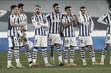 Los jugadores de la Real se lamentan en la tanda de penaltis / Foto: Real Sociedad