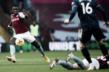 Gol cedo define vitória do Aston Villa sobre Arsenal