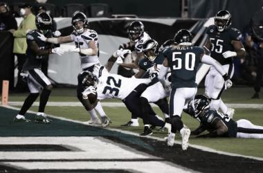 Seahawks vencem Eagles sem sustos e disparam na NFC Oeste