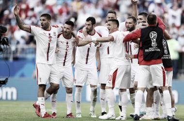 Serbia suma de a tres en su debut