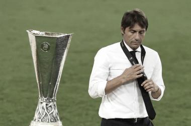 Antonio Conte fica com vice em quarta final europeia da carreira