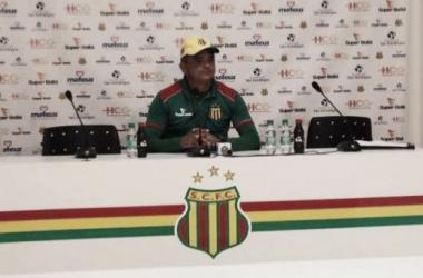 Araújo comandou o clube no título invicto da Série D em 2012 (Foto: Divulgação / Sampaio )