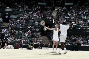 Hingis-Paes se imponen a los favoritos, Bryan y Mattek-Stans (foto: Wimbledon)