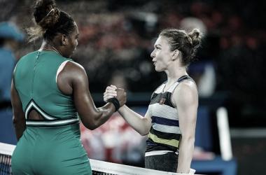 Williams y Halep se saludan tras su partido de octavos de final en el pasado Open de Australia. Foto: gettyimages.es
