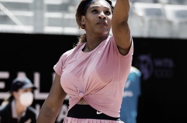 "<div><br></div><div><p><font color=""#5b7083""><font face=""apple-system, system-ui, Segoe UI, Roboto, Helvetica, Arial, sans-serif""><font><b>Serena Williams Foto WTA</b></font></font></font></p></div>"