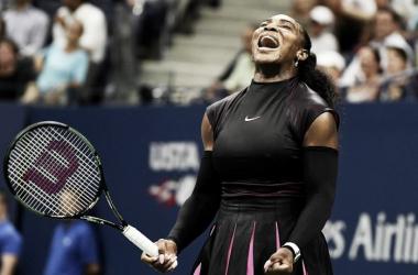 US Open: Serena Williams ganó un partido muy duro frente a Simona Halep